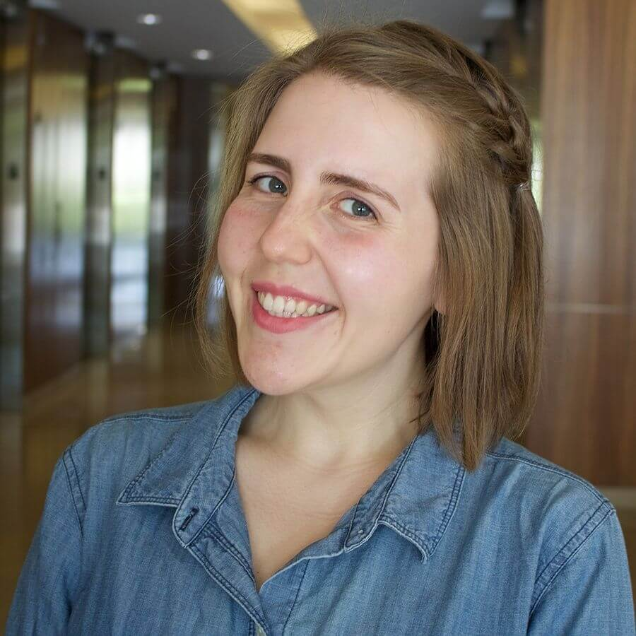 Lizzie Hoffman - Brand Authority Journalist for Mojo Media Labs - Chicago